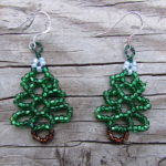 Easy Beaded Christmas Tree Earrings