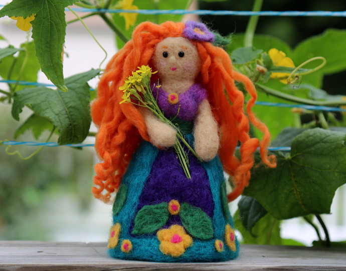 Introduction to felting: how to make a felted doll