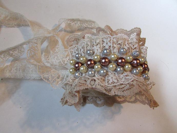Lace Cuff Bracelet Tutorial