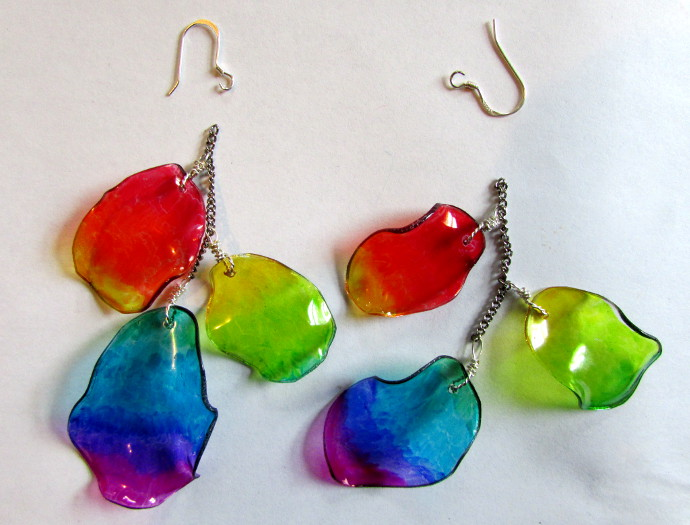 plastic earrings from recycled milk bottles the links recycle plastic bottle into earrings tutorial
