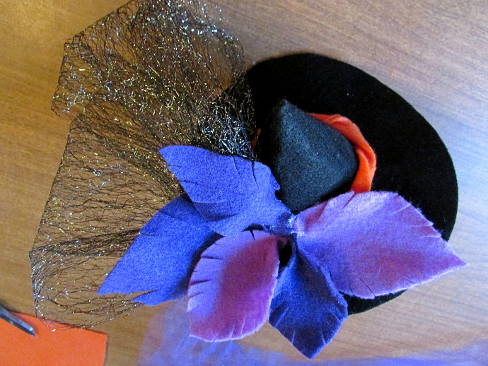 Making A Tiny Witch Hat