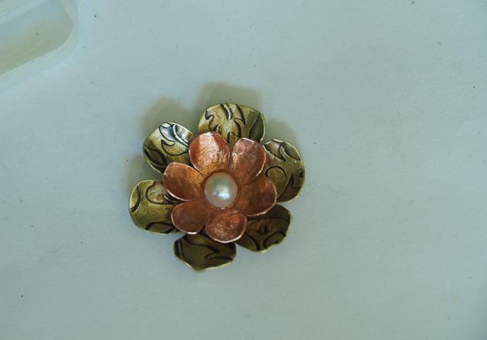 Metal Flower Necklace