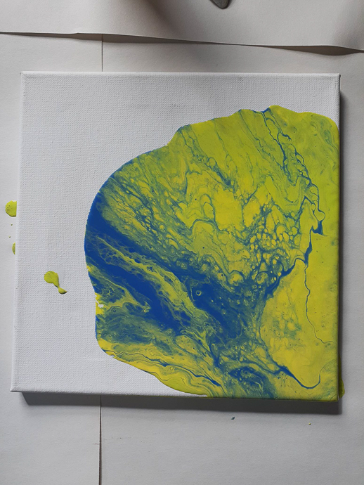 Pour Art With Floetrol